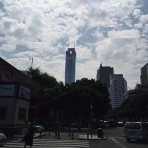 広州東駅から水野広州のオフィスがある中信広場を臨む。
