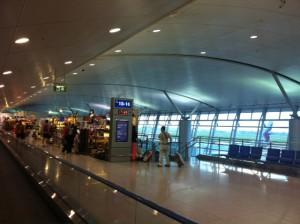 空港。これも、小規模ながら小奇麗な空港に生まれ変わっていた。