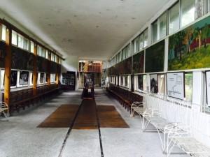 林田山駅のホーム