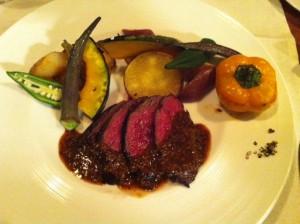 牛ハラミ。肉も美味しいけれど、主役は完全に野菜、という感じ。