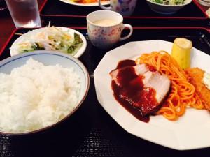 ロケ地昼食