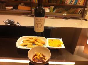 日本酒気分ではなかったので、赤ワインで納豆と豆腐。少々不思議か。